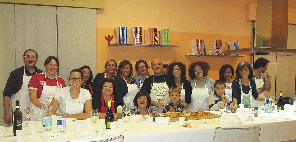 E siamo alla foto di gruppo del Laboratorio di Pizza fatta in casa del 22 ottobre 2014